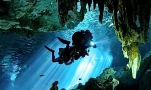 Cenotes Dos Ojos, Foto: www.zonaturistica.com